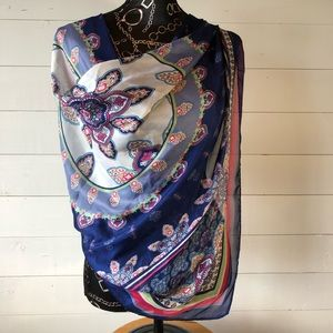 """Gorgeous 41"""" Square Floral Print Scarf"""